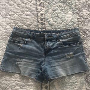 Victoria's Secret Boyfriend denim shorts size 4
